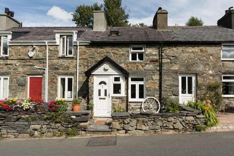2 Bedrooms Terraced House for sale in Morgan Terrace, Rhyd Ddu, North Wales