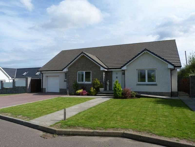 3 Bedrooms Detached Bungalow for sale in Blairfordel Steading, Keltybridge KY4
