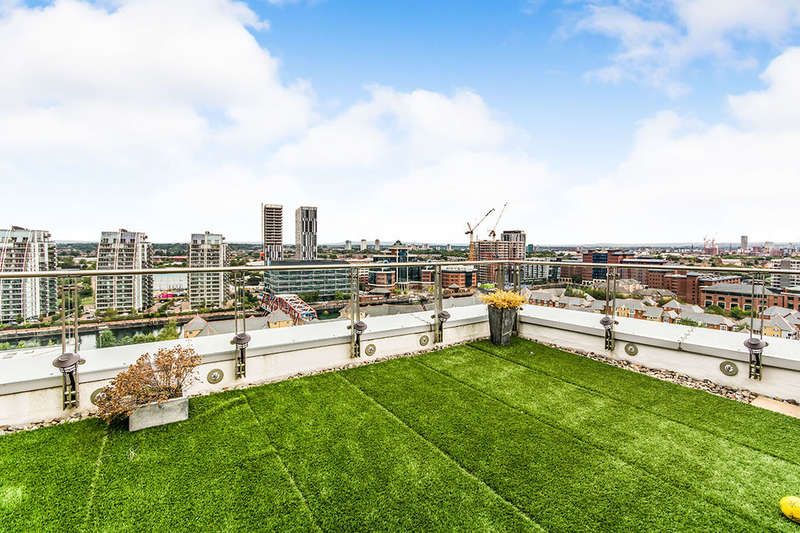 2 Bedrooms Flat for sale in The Quays, Salford, M50