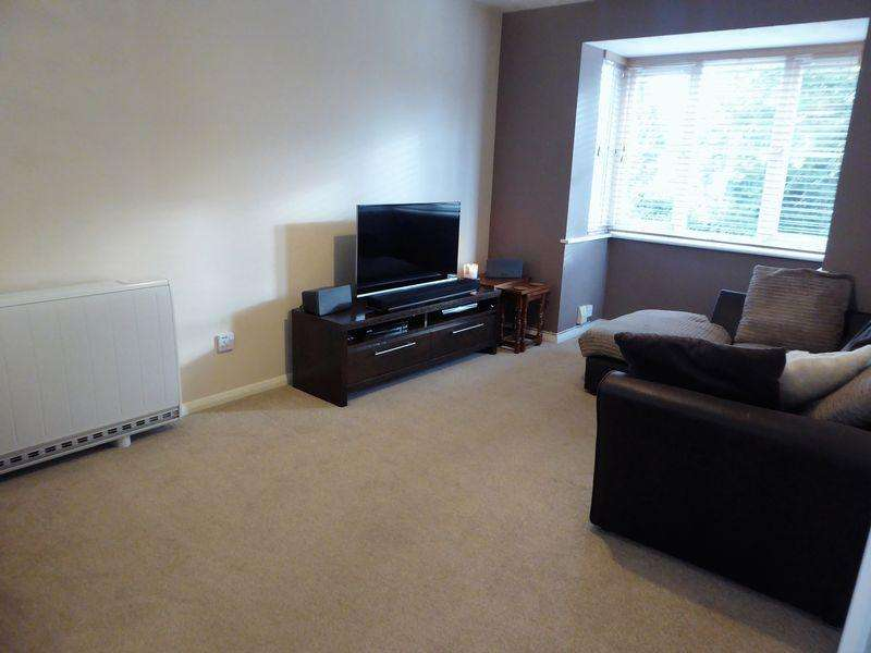 1 Bedroom Flat for sale in Falcon Close, Dunstable