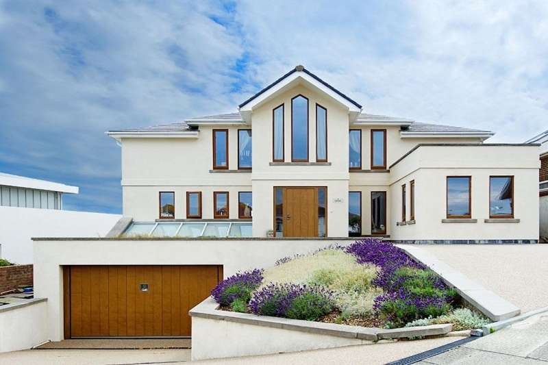 4 Bedrooms Detached House for sale in Marine Close, Brighton, , BN2