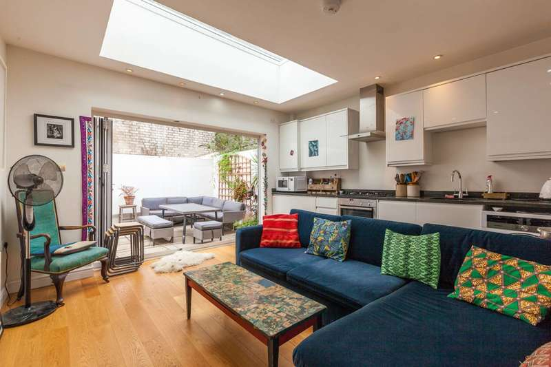 Studio Flat for sale in Coldharbour Lane, Brixton, SW9