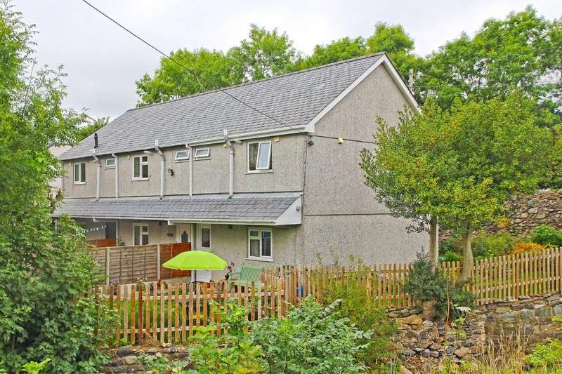 3 Bedrooms Semi Detached House for sale in Tai Ffynnon, Clwt-Y-Bont, North Wales