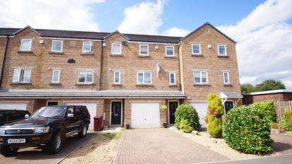 4 Bedrooms Terraced House for sale in Calderbrook Avenue, Rosehill, Burnley, Lancashire