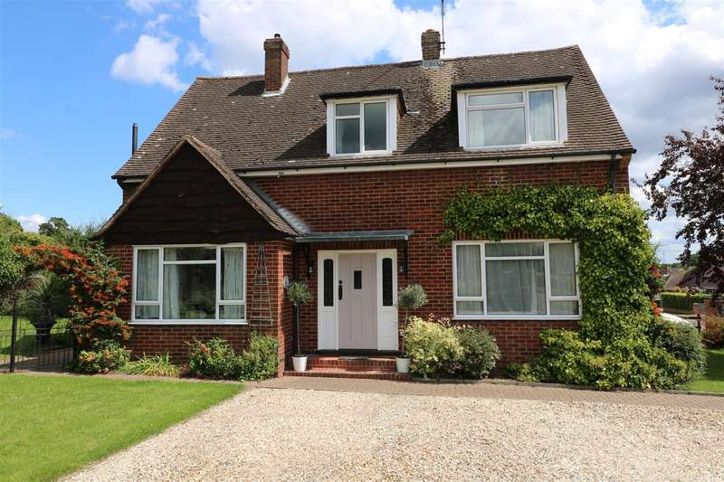 4 Bedrooms Detached House for sale in Orchard Close, Tilehurst, Reading