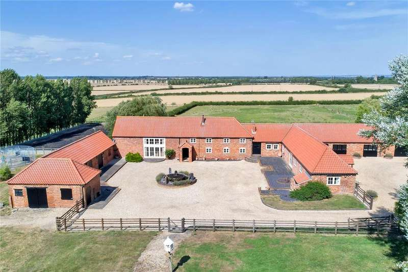 6 Bedrooms Equestrian Facility Character Property for sale in Fenton Road, Stubton, Newark, Nottinghamshire