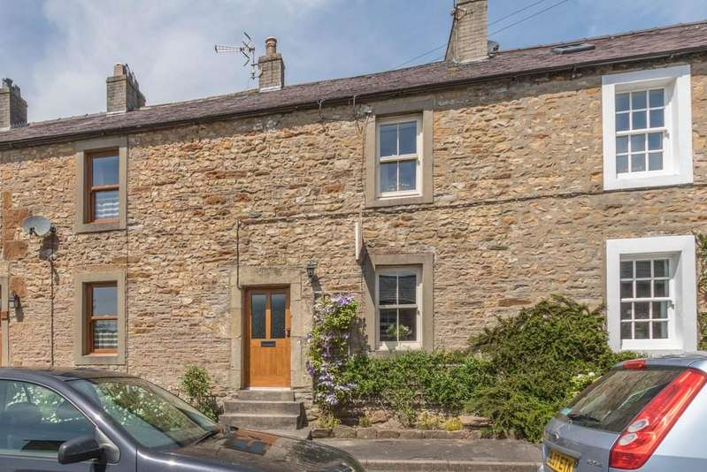 3 Bedrooms Terraced House for sale in 8 Low Street, Burton in Lonsdale