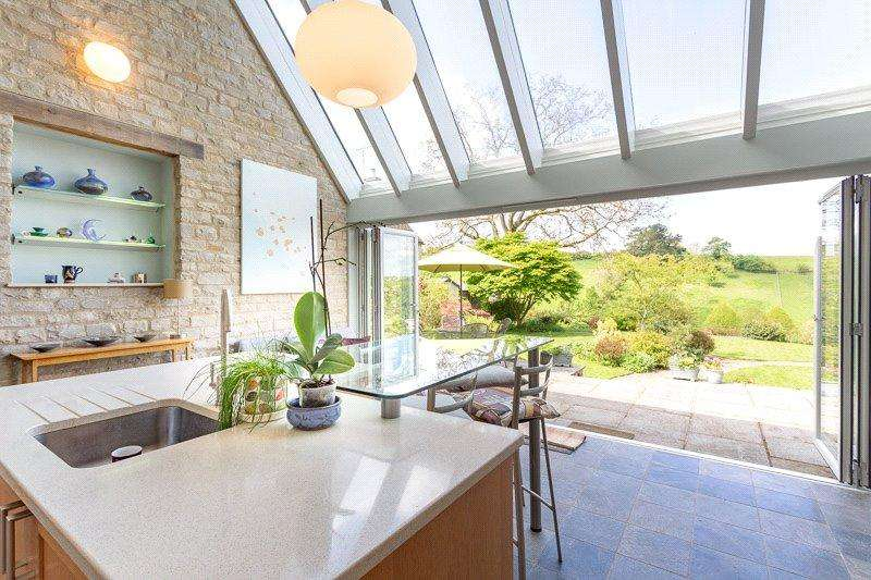 3 Bedrooms Semi Detached House for sale in Cowley, Cheltenham, Gloucestershire, GL53