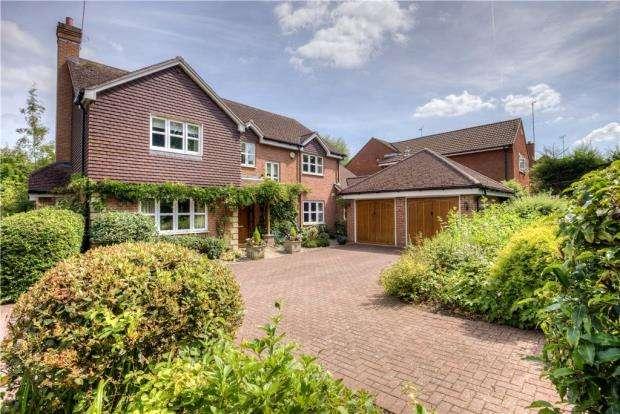 5 Bedrooms Detached House for sale in Seekings Drive, Kenilworth, Warwickshire