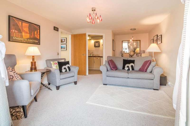 2 Bedrooms Apartment Flat for sale in Heritage Court, Warstone Lane