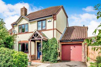 4 Bedrooms Detached House for sale in Lacock Abbey, Bedford, Bedfordshire, .