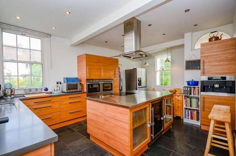4 Bedrooms Detached House for sale in Faversham Road, Kennington, Ashford