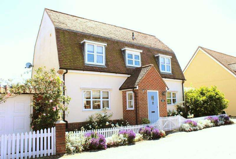 3 Bedrooms Detached House for sale in Parsonage Lane, Tendring Green