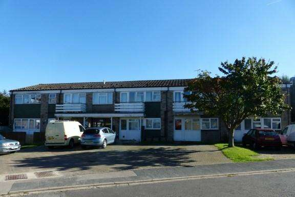 Studio Flat for sale in Pear Tree Court, Holmer Green