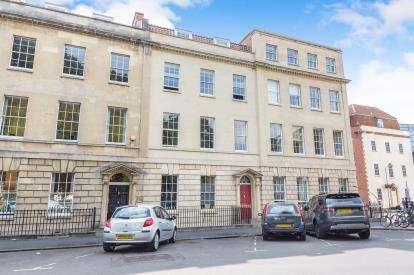 1 Bedroom Flat for sale in Portland Square, Bristol