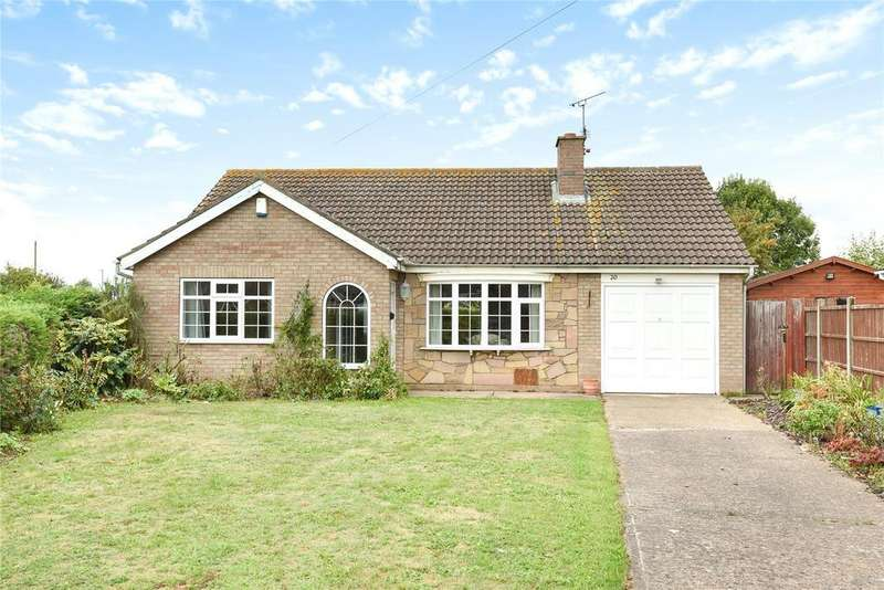 2 Bedrooms Detached Bungalow for sale in Hebden Moor Way, North Hykeham, LN6