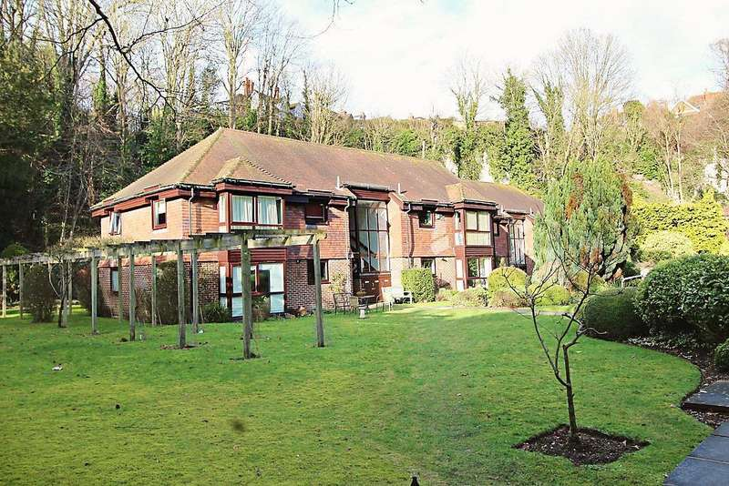 1 Bedroom Flat for sale in Church Road, Caversham, Reading