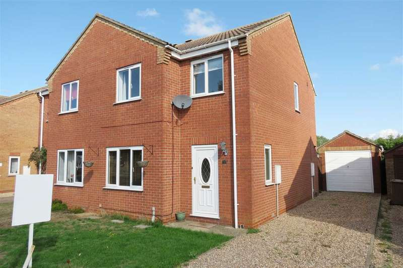 3 Bedrooms Semi Detached House for sale in Park Lea, Ruskington