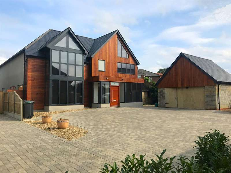 4 Bedrooms Detached House for sale in The Fairway, Herne Bay