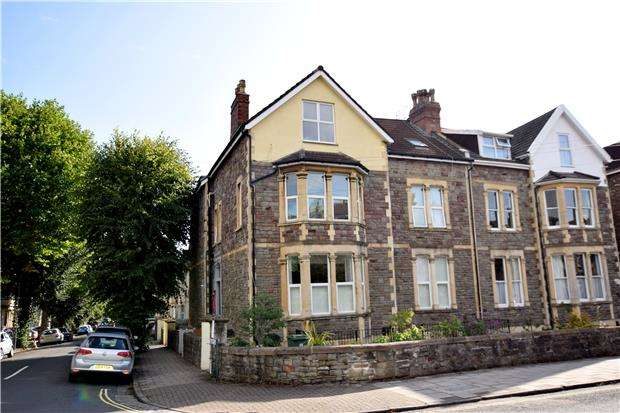 1 Bedroom Flat for sale in Redland Road, BRISTOL, BS6 6YS