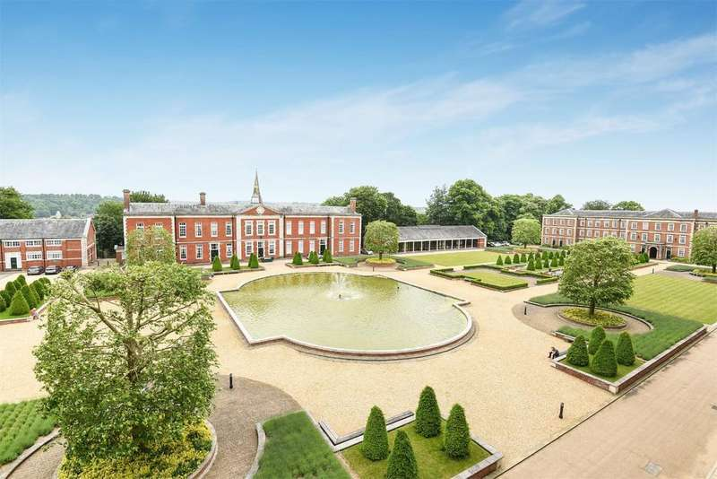 2 Bedrooms Apartment Flat for sale in Peninsula Square, Winchester, Hampshire, SO23