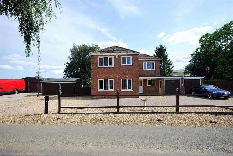 4 Bedrooms Detached House for sale in Broadgate, Weston Hills, Spalding