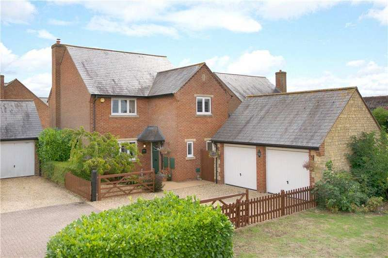 4 Bedrooms Detached House for sale in Hanslope Road, Castlethorpe, Milton Keynes, Buckinghamshire
