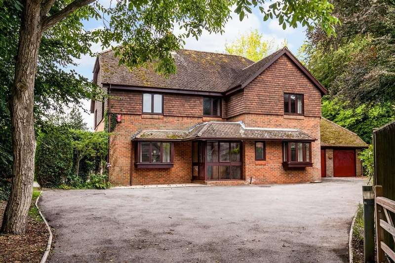 4 Bedrooms Detached House for sale in Andover Road, Winchester, SO22