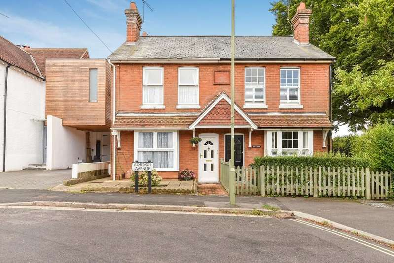 2 Bedrooms Semi Detached House for sale in Gordon Avenue, Winchester