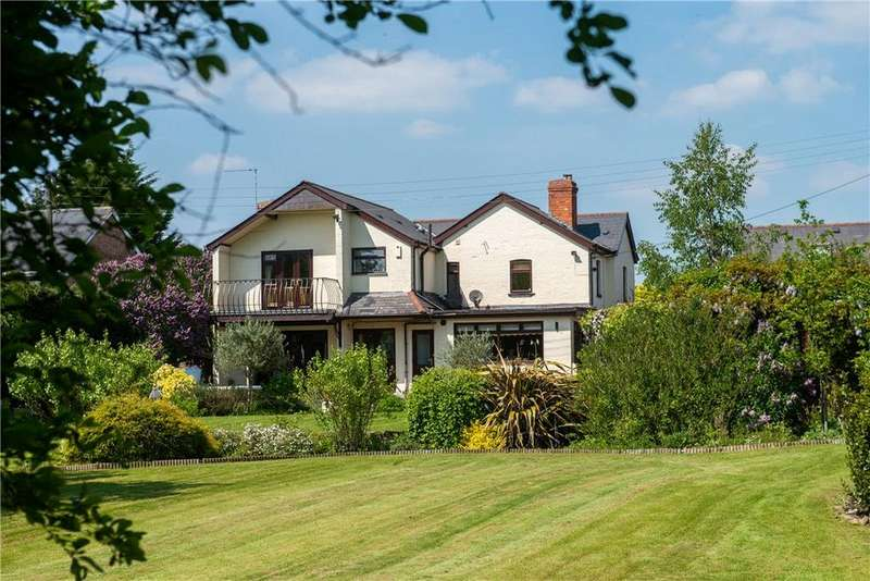 4 Bedrooms Detached House for sale in Evesham Road, Fladbury, Pershore, Worcestershire, WR10