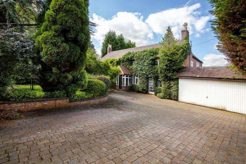 4 Bedrooms House for sale in Station Approach, Four Oaks