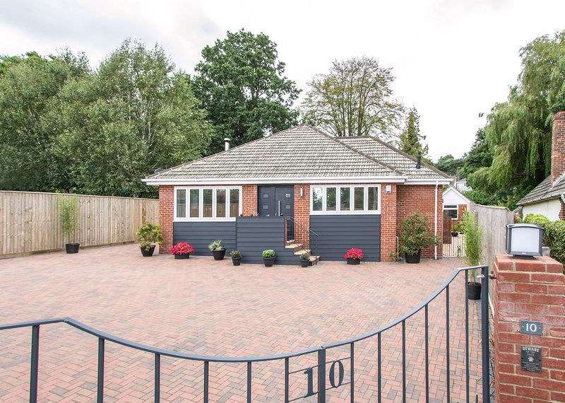 4 Bedrooms Detached House for sale in Gervis Crescent, Lower Parkstone, Poole