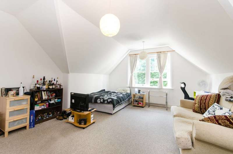 1 Bedroom Flat for sale in Dartmouth Road, Mapesbury Estate, NW2