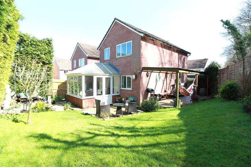 3 Bedrooms Detached House for sale in The Brades, Caerleon, Newport, NP18