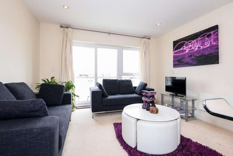 2 Bedrooms Flat for sale in Kennet Island, Reading, RG2