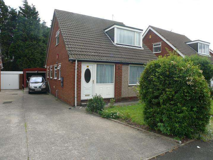 3 Bedrooms Detached Bungalow for sale in Chippendale Rise, Bradford