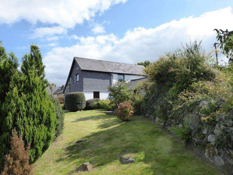 3 Bedrooms Detached House for sale in Rhostryfan