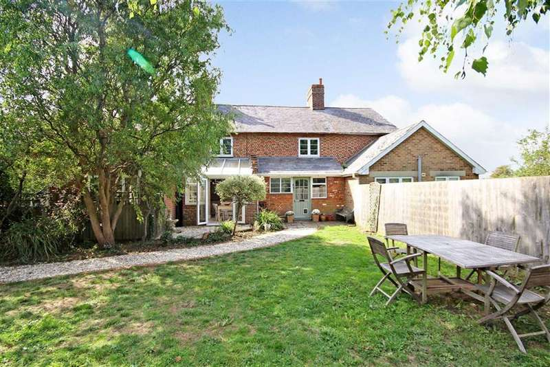 3 Bedrooms Cottage House for sale in Hunters Hall, Dauntsey, Wiltshire