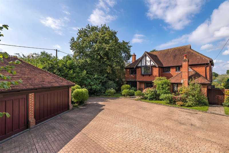 5 Bedrooms Detached House for sale in Tapners Road, Leigh, Reigate, Surrey, RH2
