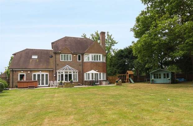 6 Bedrooms Detached House for sale in Iver Lodge, Bangors Road South, Iver, Buckinghamshire