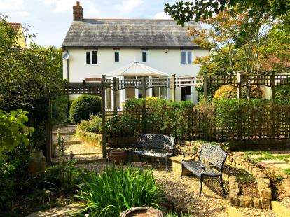 4 Bedrooms Detached House for sale in Burton Bradstock, Bridport, Dorset