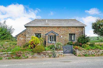 3 Bedrooms Barn Conversion Character Property for sale in Cornwall, England, United Kingdom