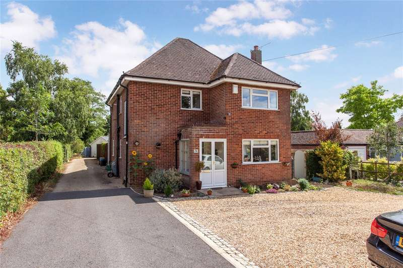 4 Bedrooms Detached House for sale in Wargrave Road, Twyford, Berkshire, RG10