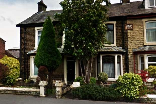 6 Bedrooms Terraced House for sale in Blackburn Road, Darwen, Lancashire, BB3 1ET