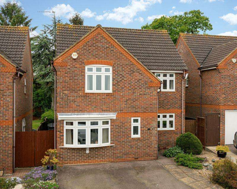 4 Bedrooms Detached House for sale in Peppard Close, Redbourn