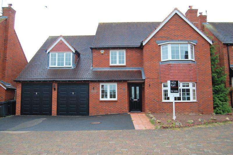 5 Bedrooms Detached House for sale in Long Croft, Albrighton, Wolverhampton