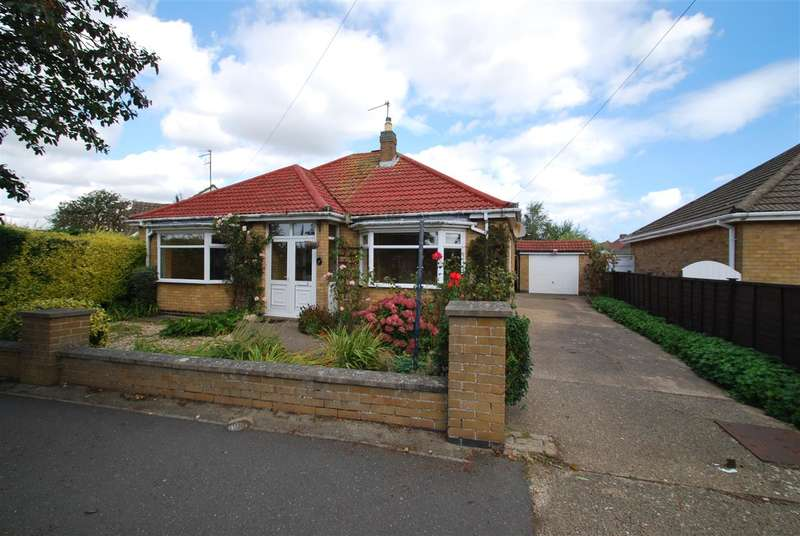 2 Bedrooms Bungalow for sale in Kennedy Avenue, Skegness