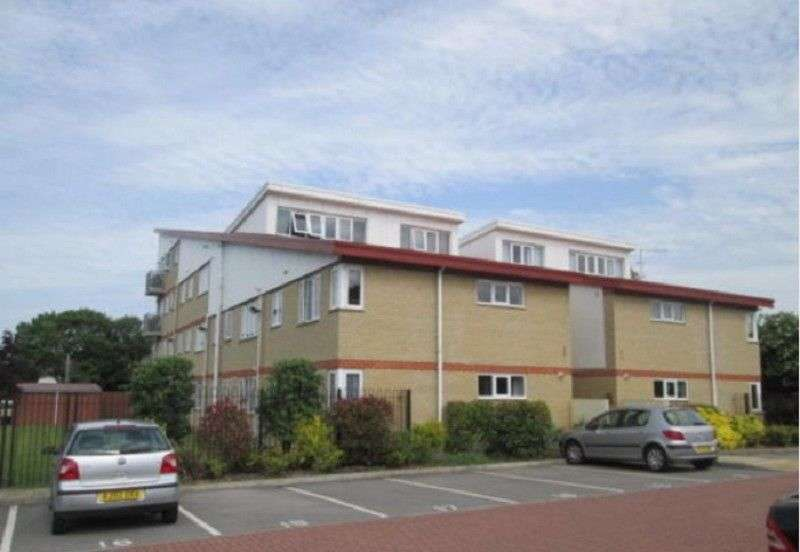 2 Bedrooms Flat for sale in 998 Lincoln Road, Peterborough, Cambridgeshire. PE4 6AL