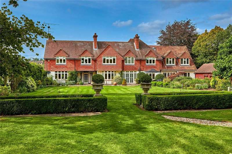 5 Bedrooms Detached House for sale in Mill Lane, Frensham, Farnham, Surrey