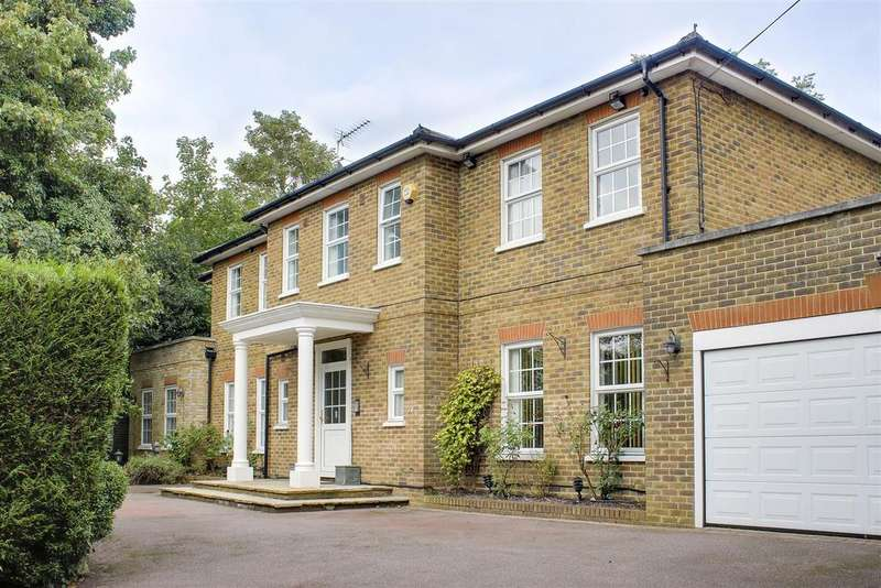 4 Bedrooms Detached House for sale in The Croft, Barnet, EN5